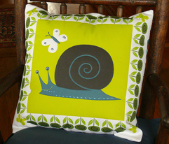 Rrsnail_pillow_comment_10333_preview