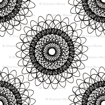 doily (black/white)