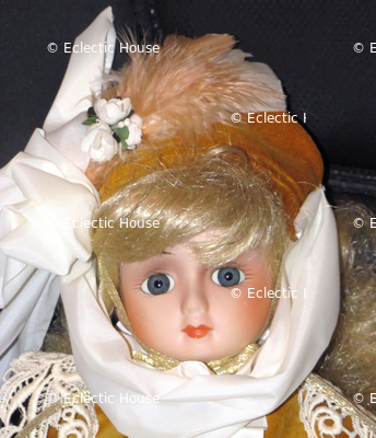 Doll-Gold-velvet_3277