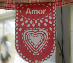 Rrrevised_amor_bunting_comment_44059_preview