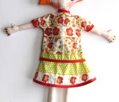 Rose la poupée et ses vêtements