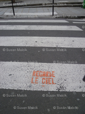 Look at the Sky - Regarde le Ciel, on the Cross Walk, quilter's version