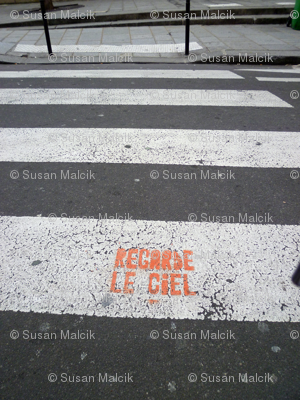 Look at the Sky - Regarde le Ciel, on the Cross Walk