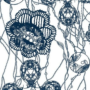 blue &white lace flowers-pen