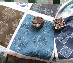Rrrrrjapanese-fabric-stamp3-flwr-closecropbrn_comment_100840_preview
