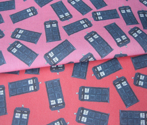 teeny tossed tardis red