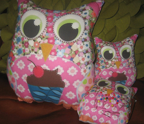Rrrrrapplique_patch_owl_plushies_sharon_turner_scrummy_things_st_sf_true_lilac_comment_351817_preview