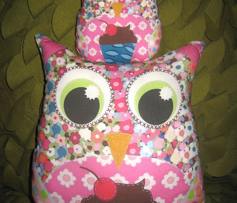 Rrrrrapplique_patch_owl_plushies_sharon_turner_scrummy_things_st_sf_true_lilac_comment_351818_preview