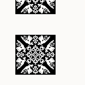 Peacock in love - Hawaiian quilt squares black-white