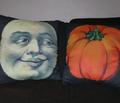 Rrhalloween_cushions_comment_120801_thumb