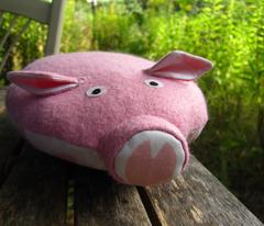 Rrandom-pigs-footsteps.ai_comment_207720_preview