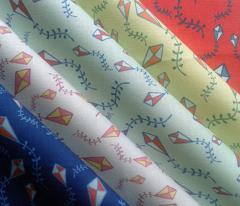 ribbon tailed kite ditsy (sky blue)