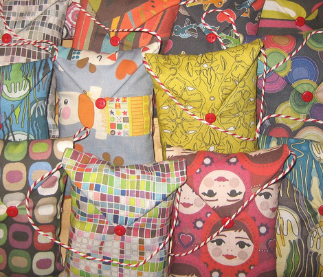 Rrrrmatryoshka_spoonflower_upload_sharon_turner_scrummy_things_comment_349655_preview