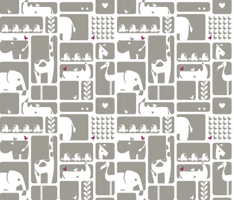 Animal Impression Collection - Animal Silhouette Quilt, Linen (gray/wine)