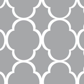 quatrefoil_grey