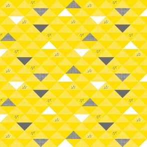 Le Tour Triangles Yellow