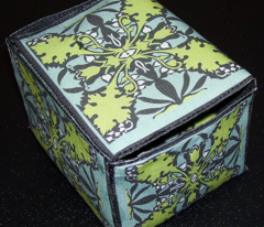 Rrrboxes_and_brooches_comment_195203_preview