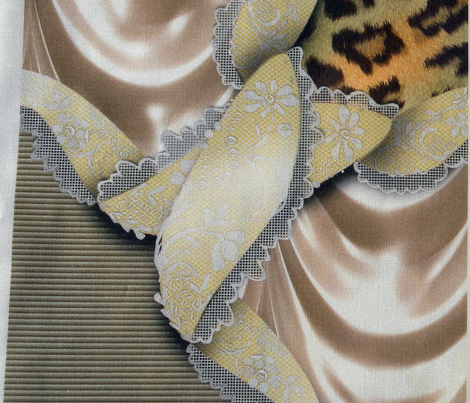 Leopards'n'Lace - Medaillon - Yellow