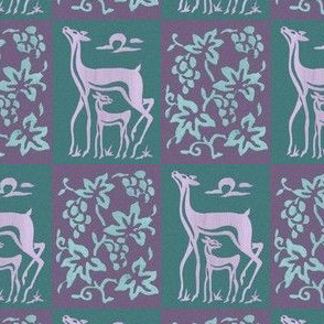 Wooden tjap grapes and deer - green & lavender