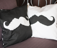 Rmustache_pilow_comment_208641_preview