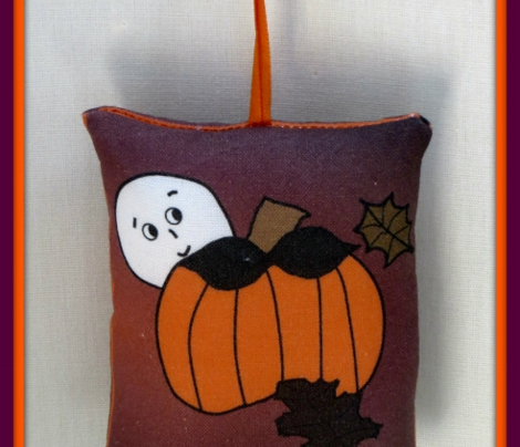 Cut and Sew Pumpkin Ornament2 Favor