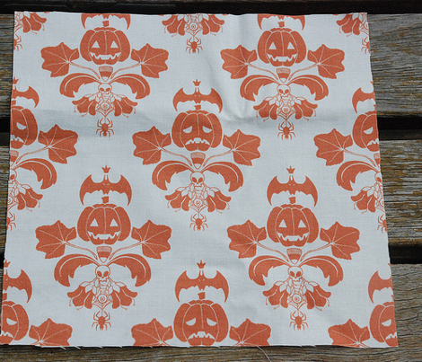 Jack O Lantern Damask White/Orange