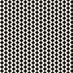 Quatrefoil Mini Print Black, Gold and White