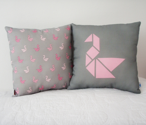 Rrtangram_swan_cushion-pink2.ai_comment_261479_preview