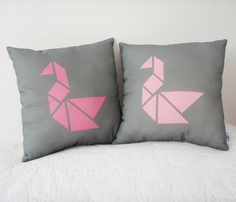 Rrrtangram_swan_cushion-pink2.ai_comment_261478_thumb