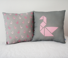 Rrrtangram_swan_cushion-pink2.ai_comment_261479_thumb