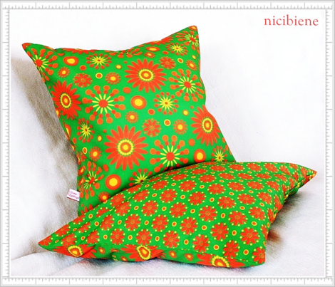 Flowerpower Me! Pillows to sew - GREEN