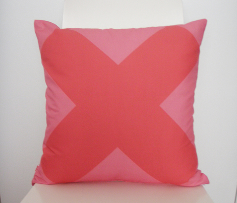 Noughts and Crosses - Candy - Large Cushion fronts combo