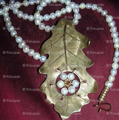 Oak Leaf and Pearls 2
