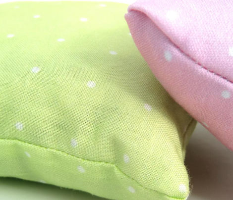 Tiny_White_Dots_Green_Fabric