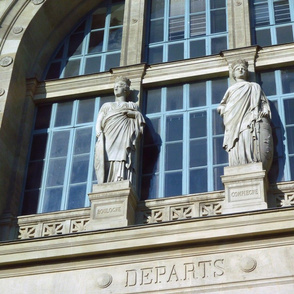 Gare du Nord, Above the Departures Door