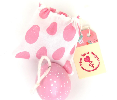 pink_speckled_eggs_on_white_6_inch_repeat-ch