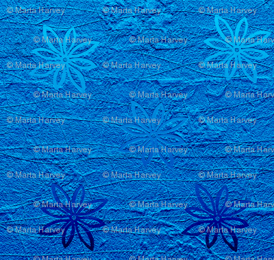 Subtle flowers on textured background - blue