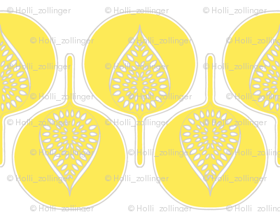 tree_hearts_light_yellow_white_lt_grey