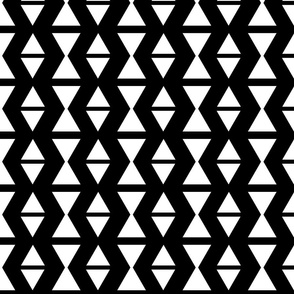 triangle wave black and white