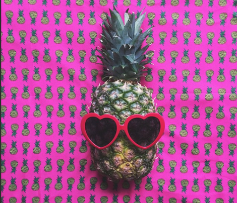Rrrrrrsmall_pineapples_on_pink_comment_586080_preview