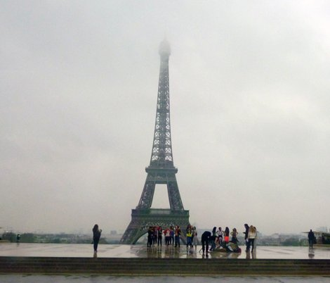 Reiffel_tower_in_morning_fog_shop_preview