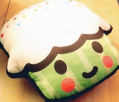 Ryard-cupcake2_comment_283904_thumb