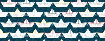 paper_boat_blanc_fond_marine_S