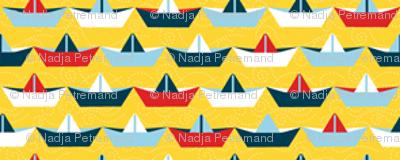 sailing_paper_boat_jaune_S