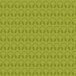 Tres chic, tres geek (headphones - moss green)