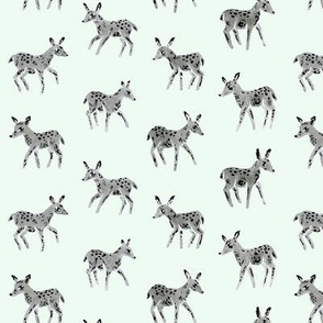 Grey Deer Friends | Mint