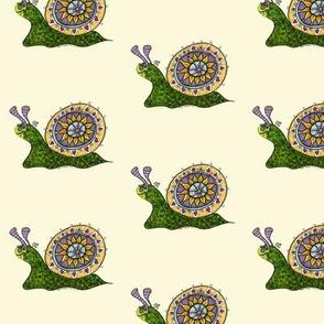 img037_Fantasy_snail_kvadrat_ljusgul_bakgrund