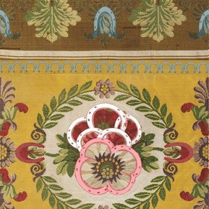Horseshoe Floral