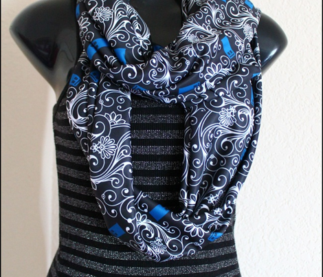 Tardis_swirl_white_blue_on_black.ai_comment_431452_preview