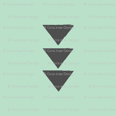 Triple triangle on mint
